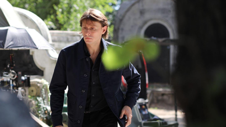 Intră în scenă un nou personaj, interpretat de Marius Manole, care este pe cale să strice planurile lui Vlad