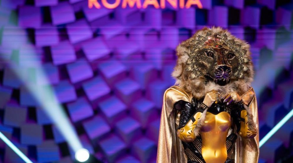 Leoaica și-a dat masca jos. Cine este vedeta care s-a aflat sub costum la Masked Singer România