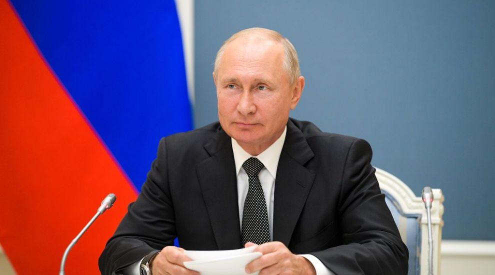 Răspunsul lui Vladimir Putin la zvonul privind demisia sa. Presa străină scrie că liderul de la Kremlin ar suferi de Parkinson