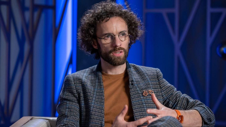 VIDEO Bogdan Micu, 10 răspunsuri la 10 întrebări ieșite din comun