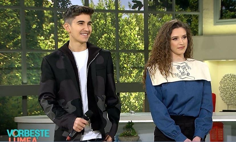 Puștiul minune al Internetului, Sebastian Dobrincu, și frumoasa Ioana Ignat cuceresc topurile muzicale