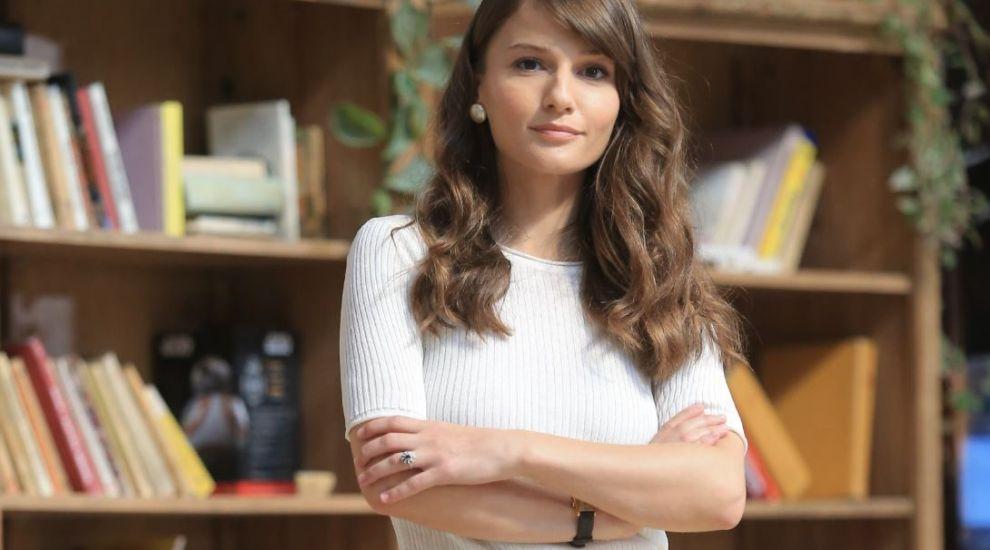 """Profu' strigă catalogul - ani de liceu cu Aida Economu: """"Am trăit cu frica să nu rămân corigentă la științele exacte"""""""