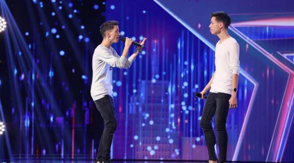 Românii au talent 2021: Gabriel și Andrei Răduță, gemenii care au reușit să câștige inimile juraților
