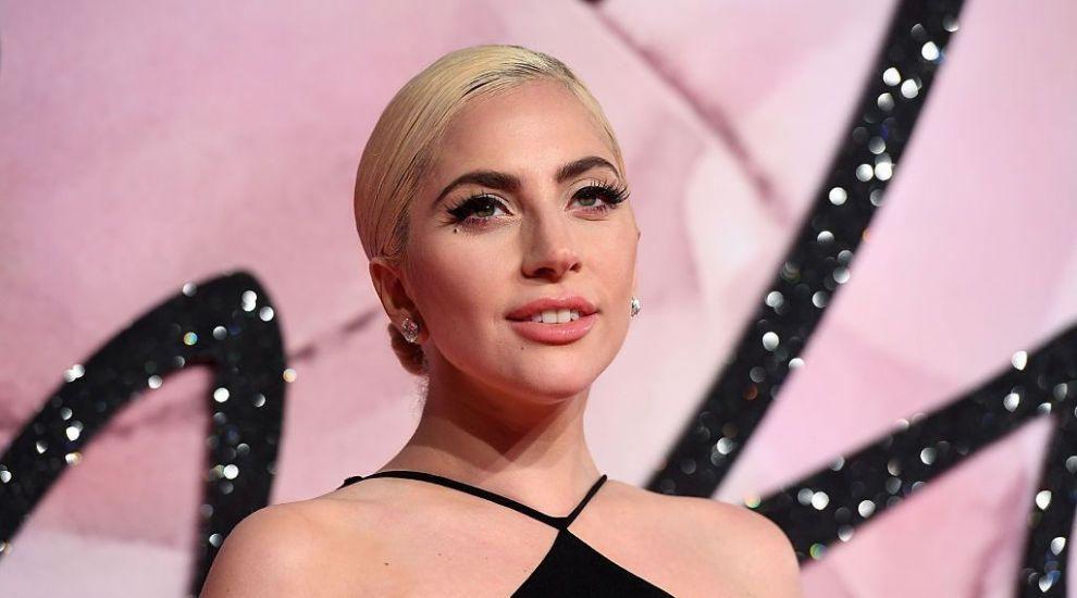 Lady Gaga a recurs la o schimbare de look, iar acum este de nerecunoscut. Cum și-a făcut apariția la Roma