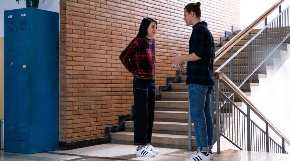 Carmen, o elevă care suferă de anorexie, are nevoie de ajutorul profilor. O nouă poveste joi, de la 21:30, în Profu`
