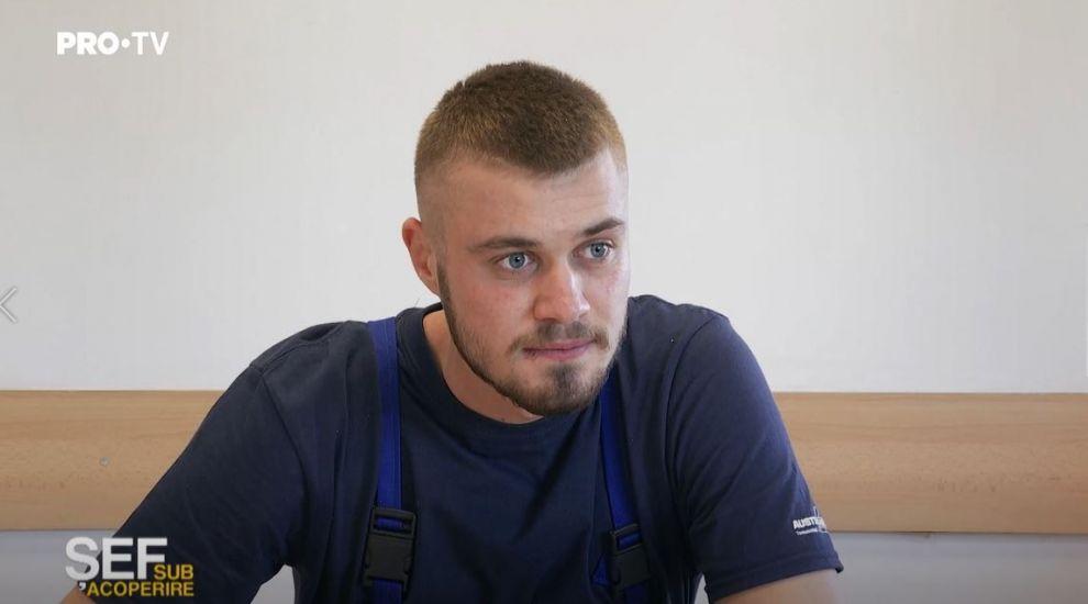Andrei, angajatul care a emoționat-o pe Roxana Ghioca până la lacrimi. Care este povestea lui