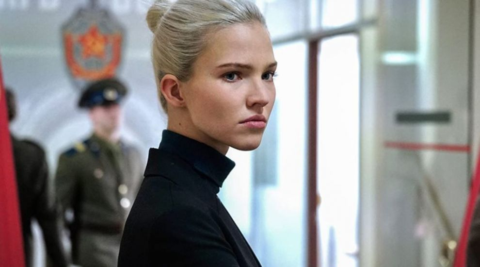 Îți amintești de agentul secret Anna? Iată cum arată actrița în viața reală și care este povestea ei de succes