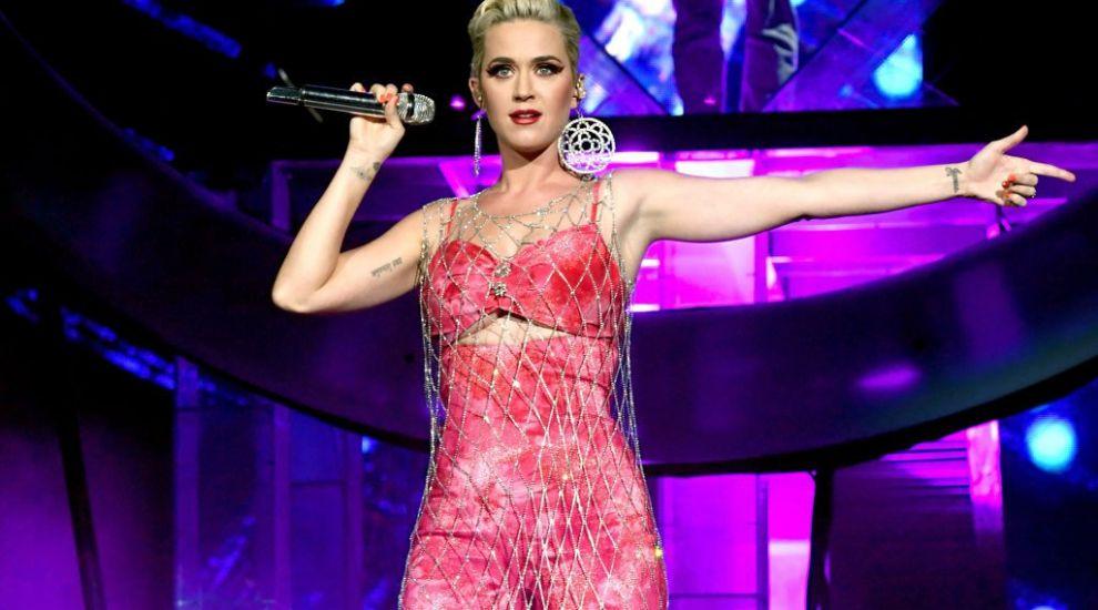 Katy Perry, apariție surprinzătoare la plajă alături de Orlando Bloom și fiica lor, Daisy Dove