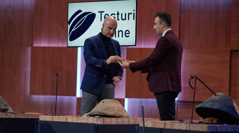 VIDEO Pâinea în țest are viitor. Cine sunt antreprenorii care vând cuptoare din lut