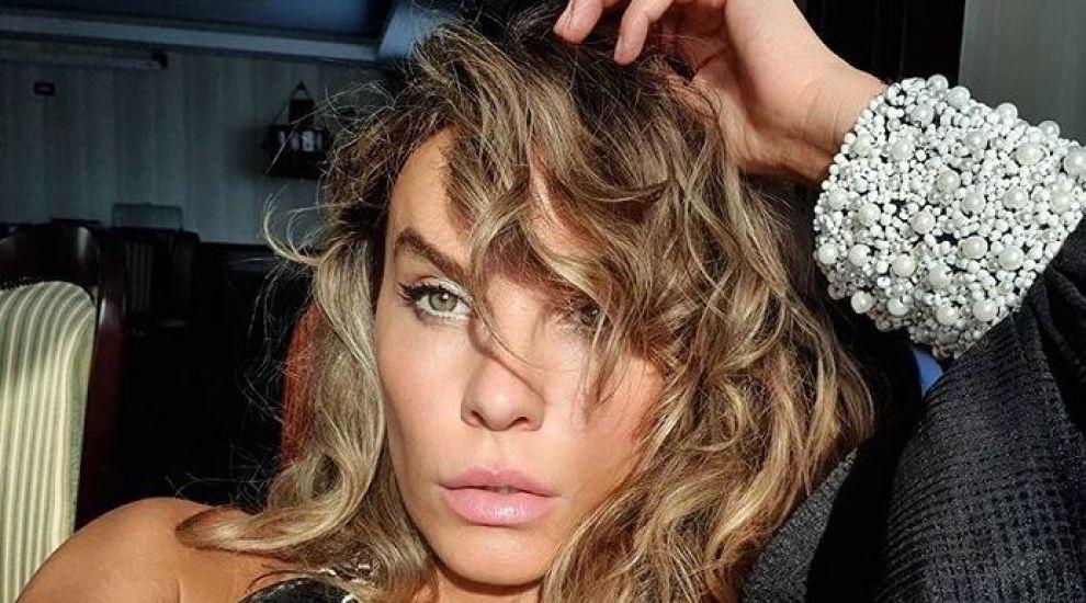 Anna Lesko, fotografie de zeci de mii de like-uri pe Instagram! Cum s-a lăsat fotografiată pe balcon