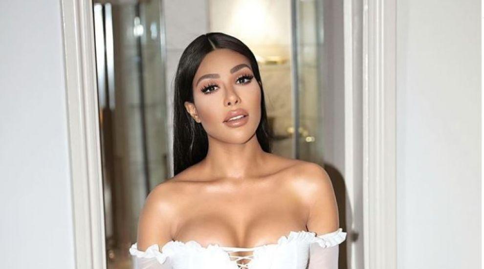 O britanică a cheltuit 2 milioane de dolari ca să arate precum Kim Kardashian
