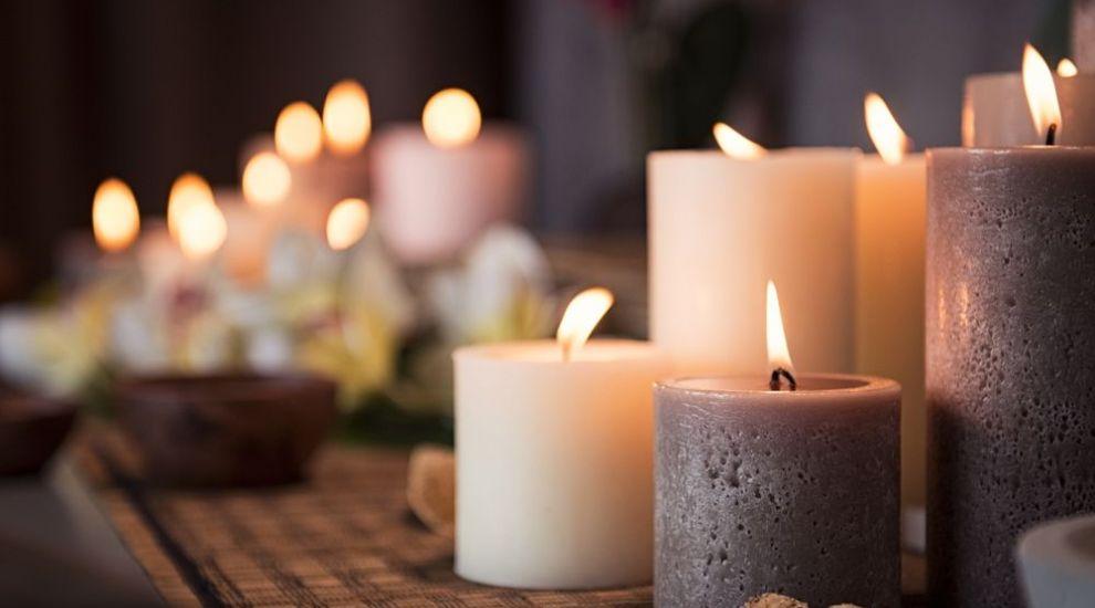 Suporturi pentru lumânări ieșite din comun! Nu te-ai fi gândit niciodată să folosești aceste obiecte