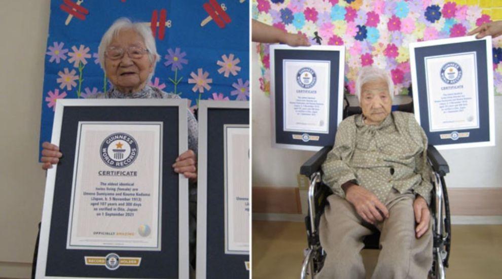 Au devenit oficial cele mai bătrâne gemene din lume. Ce vârstă au cele două femei de origine japoneză