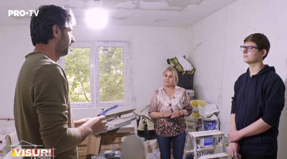 VIDEO Ana-Maria și Cosmin, chemați să ajute la renovarea propriului apartament