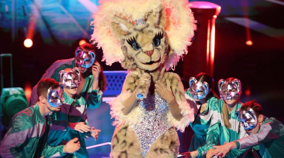 """""""Este o profesionistă în muzică"""". Alex Bogdan crede că Pisica este o divă cu mulți fani"""