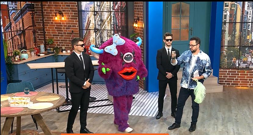"""Lady Monster de la Masked Singer a oferit indicii în emisiunea lui Cătălin Măruță: """"Sunt simpatică, dar te și enervez"""""""