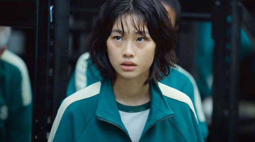 HoYeon Jung, din Squid Game, într-o ținută îndrăzneață pe coperta Vogue, ediția coreeană