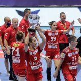 CSM Bucuresti 19-22 SCM Ramnicu Valcea   Surpriza in finala Cupei Romaniei la handbal! Infrangere clara a CSM-ului in fata rivalei