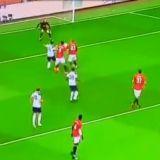 Ai criza de RAS sau incepi sa le PLANGI de mila?! Milionarii lui United au primit un gol care nu se vede nici in ligile de amatori din Romania! Ce au putut sa faca fundasii