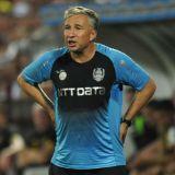"""Panica pentru CFR Cluj! Dan Petrescu a recunoscut ca este curtat de alte cluburi: """"Eu pierd bani aici! Ofertele nu lipsesc, suna telefonul mereu!"""""""