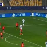 Borussia Monchengladbach face instructie cu Sahtior! 3 goluri in 26 de minute, iar ultimul este o adevarata BIJUTERIE! VIDEO cu super golul lui Plea