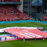 Din inima, pentru Eriksen! :) Calificare nebuna a Danemarcei in optimi dupa victoria la scor cu Rusia! Belgia, victorie clara cu Finlanda! Aici ai tot ce s-a intamplat si clasamentul
