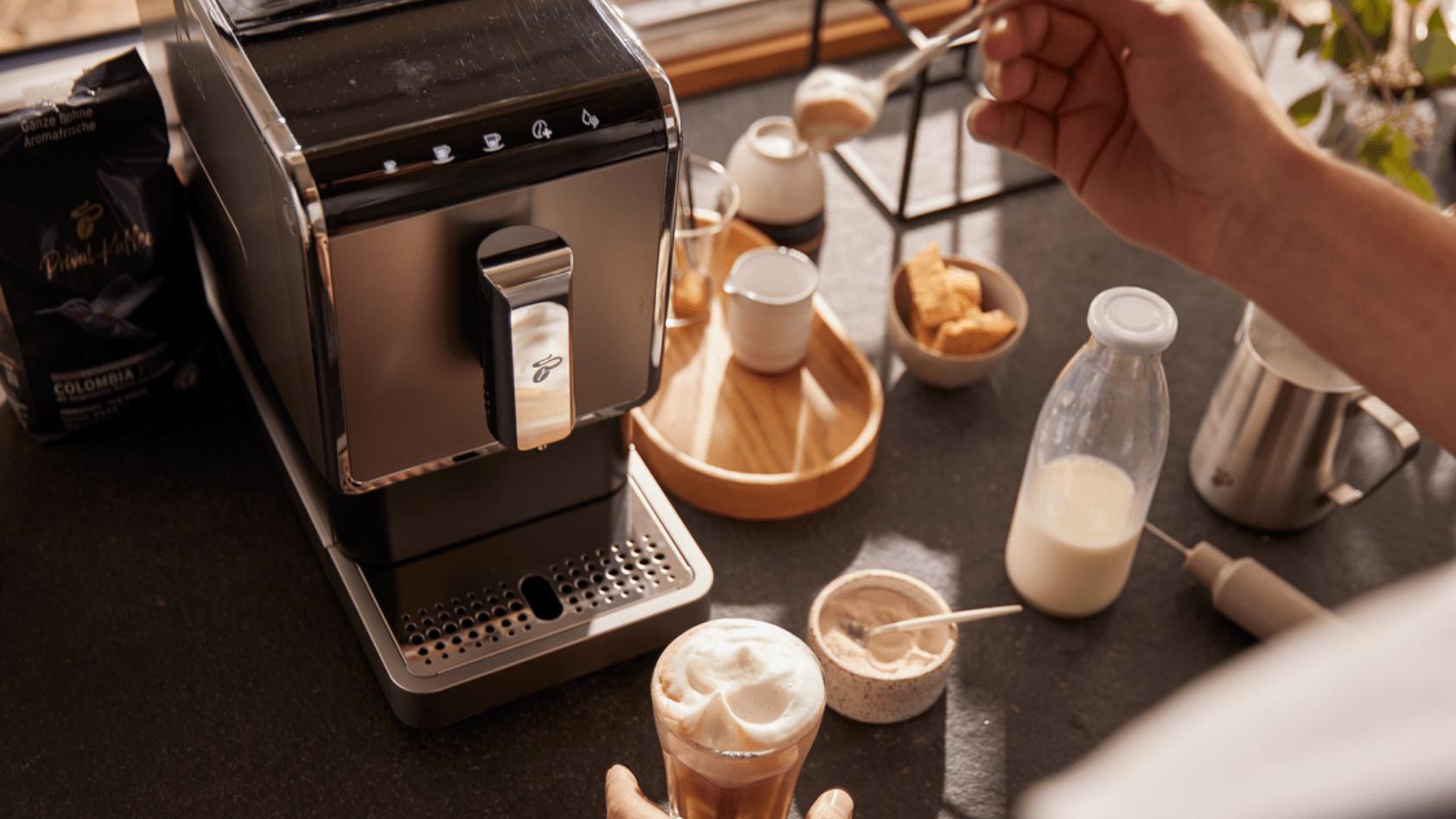 6 metode de preparat cafeaua pentru dimineți pe gustul tău